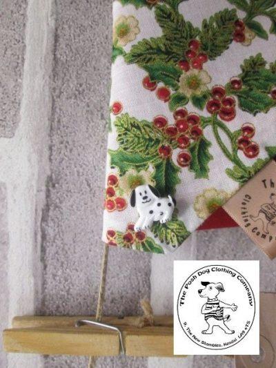 the posh dog clothing company Christmas bandannas med holly red 2