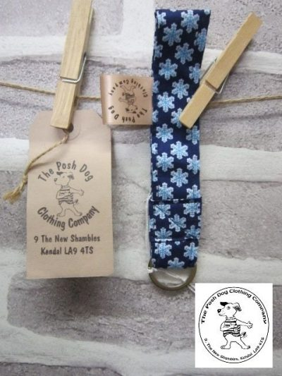 the posh dog clothing company walkies collection key fob blue snow 1