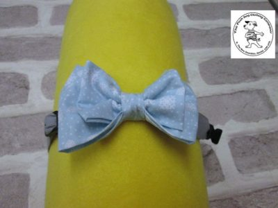 the posh dog clothing company bow tie blue snow flakes grey 01