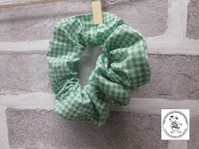 the posh dog clothing company walkies scrunchy green ginghamn 1