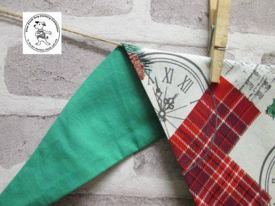 the posh dog clothing company bandanna christmas london green 4