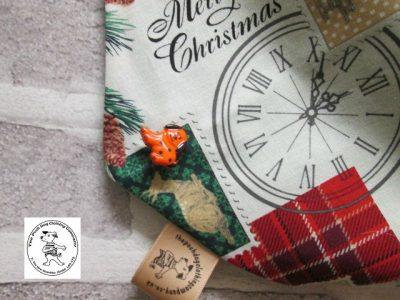 the posh dog clothing company bandanna christmas london green 5